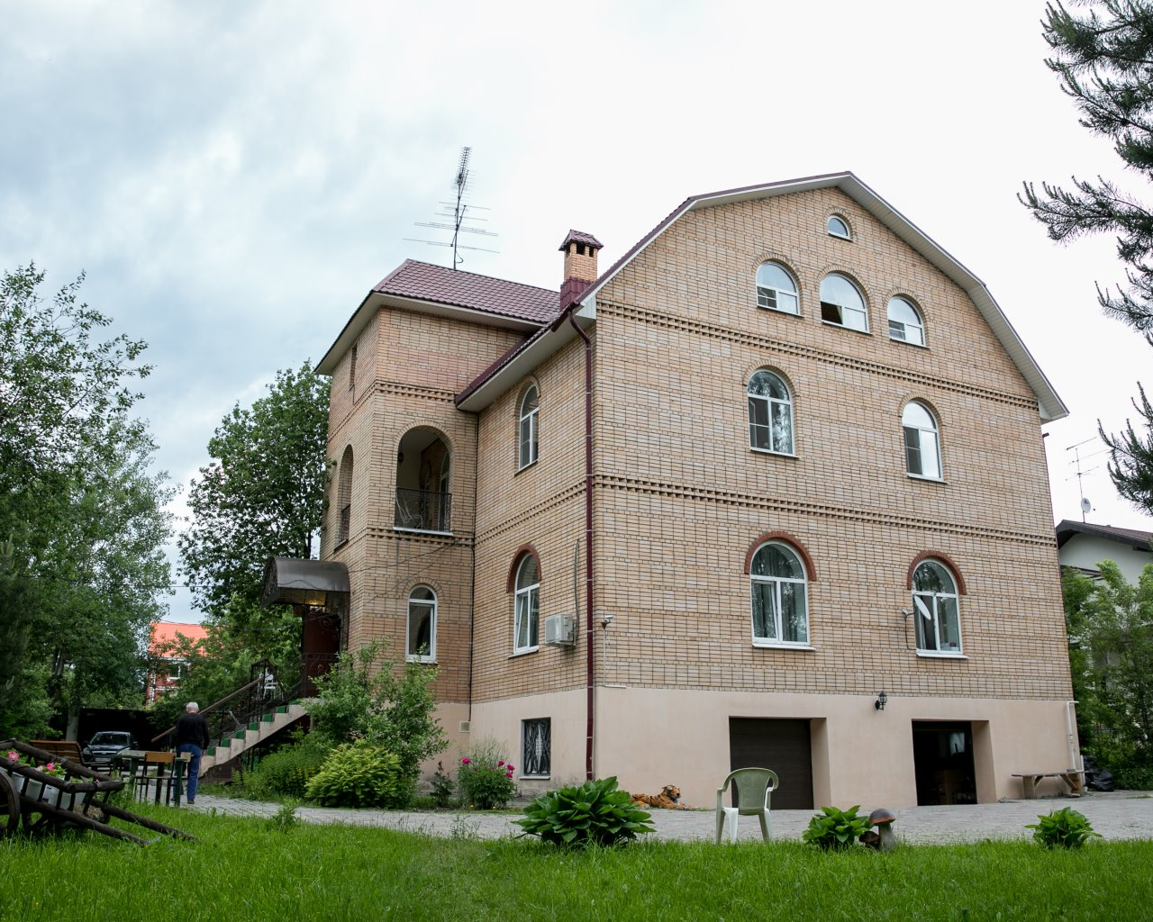 Французский пансион для пожилых людей установка газового оборудования в частном доме москва